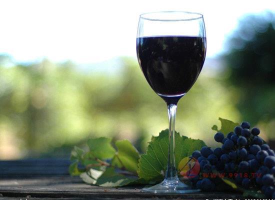 判断葡萄酒余味的标准是什么,影响余味的因素有哪些