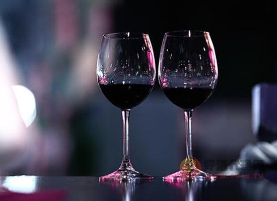 白藜芦醇是什么 葡萄酒中白藜芦醇的功效