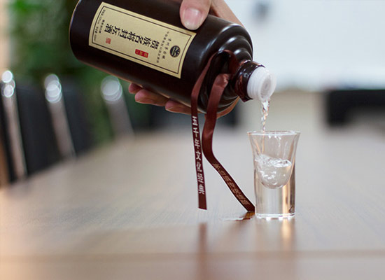 為什么白酒會出現掛杯現象,白酒掛杯的原因有哪些