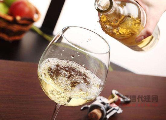 香槟为什么大多不标注年份,无年份香槟可以陈年吗