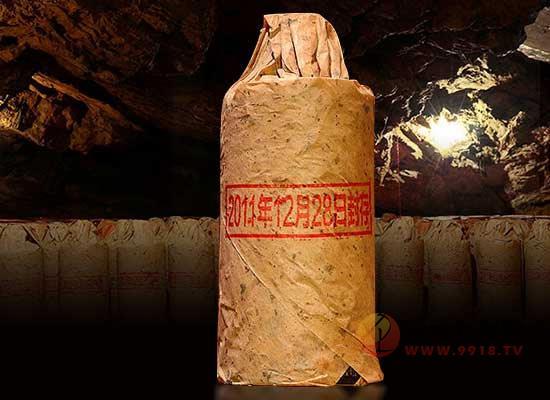 為什么老酒瓶身外面有油紙,用紙包酒瓶有什么用