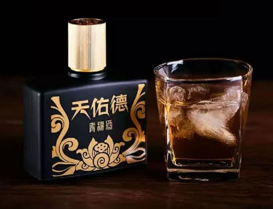 天佑德小黑酒口感如何,綿柔藥香的濃縮精品
