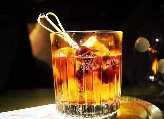 馬爹利藍帶盛頌百年價格貴嗎,釀酒師的匠心之作