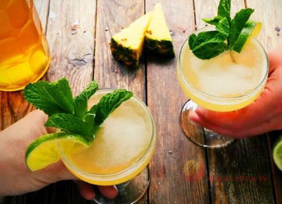 雞尾酒來源于哪里,雞尾酒的來歷和故事