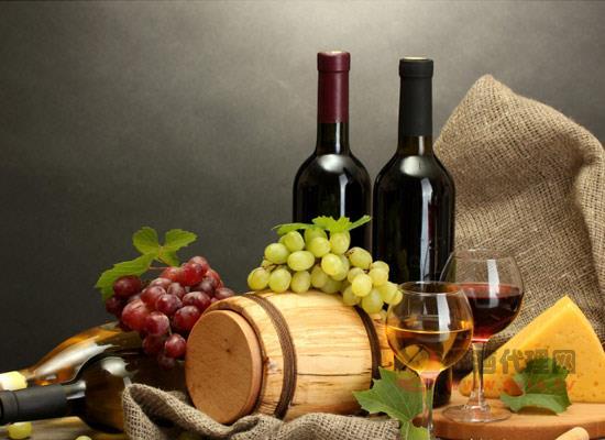 葡萄酒礼盒里的工具有哪些,各自的作用是什么