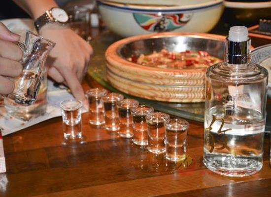 窖酒和曲酒是什么酒,曲酒和窖酒的区别是什么