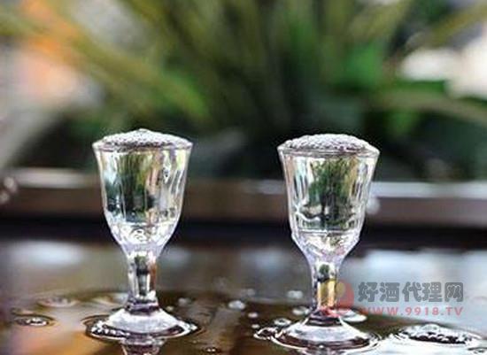 白酒的头酒中酒和尾酒分别是什么意思,哪种品质比较好