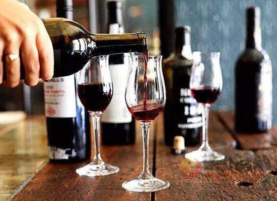开瓶的葡萄酒如何保存,红酒储存技巧