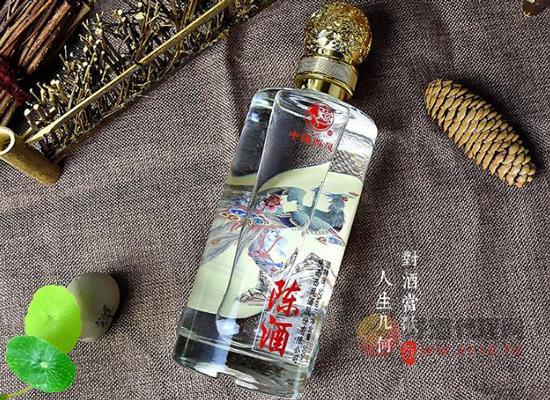 西鳳酒陳酒52度多少錢一箱,小酌美酒