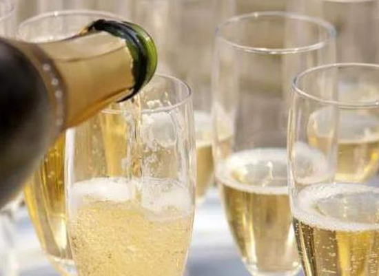 哪些白葡萄酒適合男人喝,白葡萄酒男人應該怎么喝