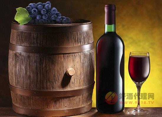 女性喝葡萄酒真的能變美嗎,為什么干紅比較適合女生