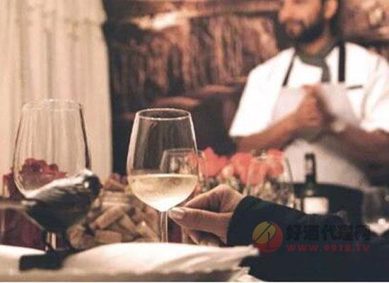 去西餐廳吃飯紅酒怎么點,餐廳點酒快速入門