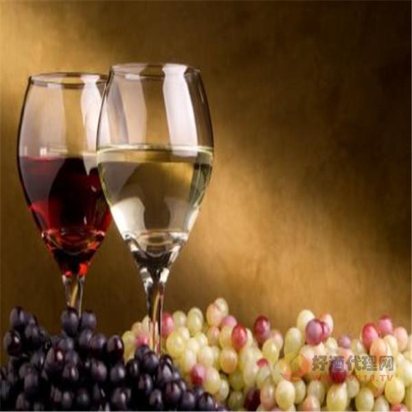 白葡萄酒與紅葡萄酒對健康的作用是一樣的嗎