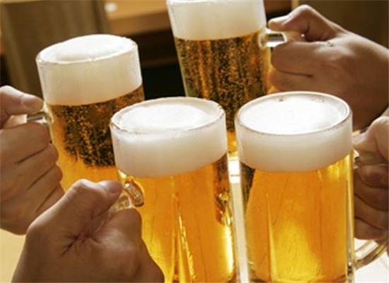 """嘉士伯研发出""""纸制""""啤酒瓶"""