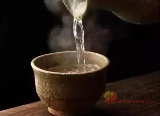 為什么秋天適合喝白酒,秋季喝酒對身體有哪些好處