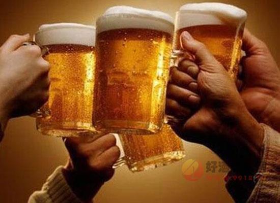 """啤酒这样喝才够味,""""五感""""品饮啤酒"""