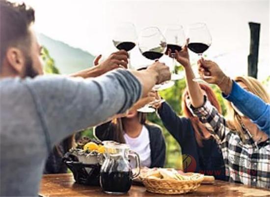 葡萄酒、啤酒哪个养生效果更好,为什么