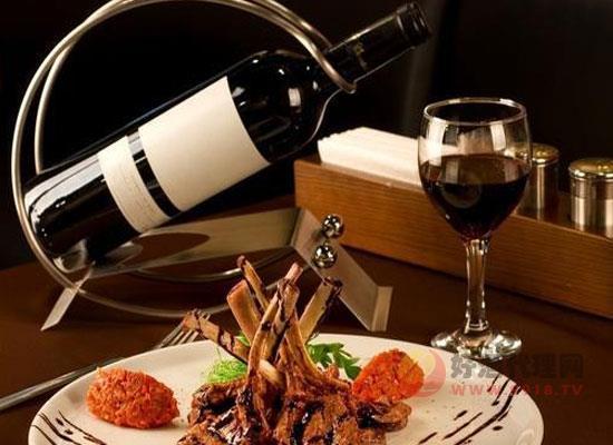 葡萄酒的窖藏寿命是多久,什么时候饮用比较好