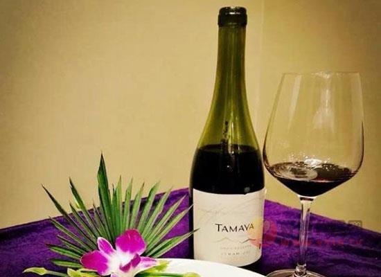 葡萄酒的顏色與釀造的葡萄品種有關嗎