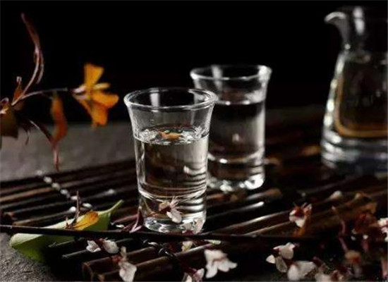 原漿酒和醬香酒的區別,如何快速區分兩者