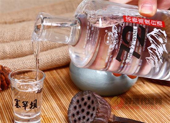 塞罕壩酒72度高粱酒怎么樣,精心釀造每一滴酒