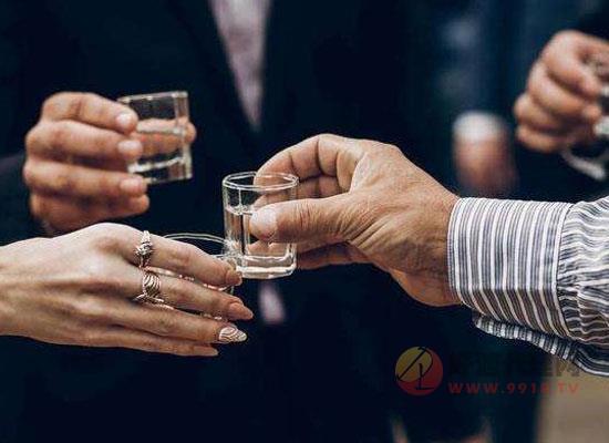 酒桌上敬酒要敬一圈嗎,酒桌細節,喝酒必備!