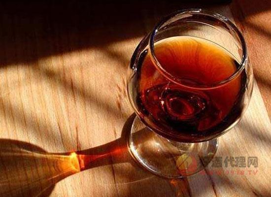 葡萄酒品质和葡萄树龄有关系吗,不同树龄有何区别