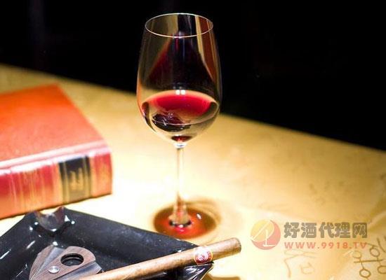 红酒杯怎么洗才洗得干净,教你快速清洗红酒杯