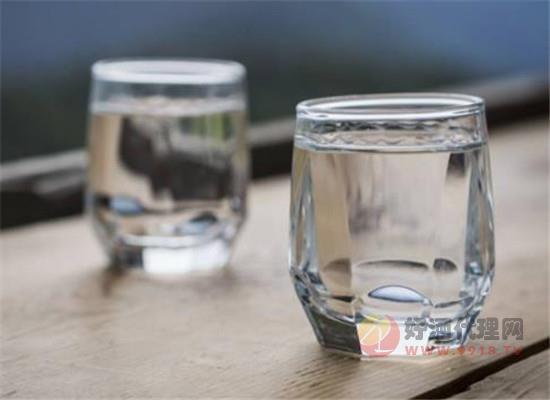 清香型白酒放置的时间越长越好吗,清香型白酒储存多久合适