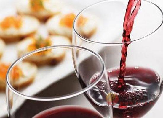 如何优雅的喝红酒,像法国人学习红酒的喝法
