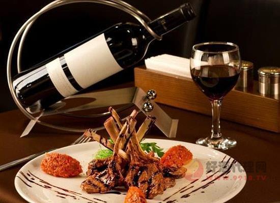 为什么红葡萄酒比白葡萄酒性感,造成这种现象的原因有哪些
