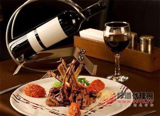百年张裕:发挥匠人精神,做好小葡萄酒里的大生意