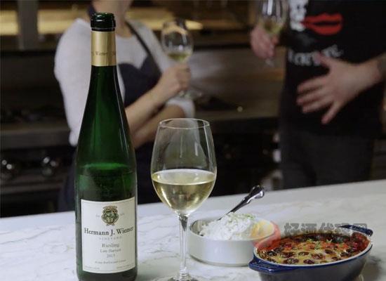 晚收型甜白葡萄酒和冰酒哪個好,二者有什么區別