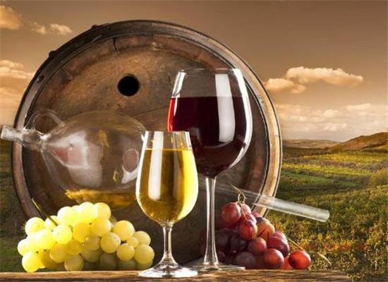 葡萄酒的中的單寧酸是添加的嗎,它在葡萄酒中有作用