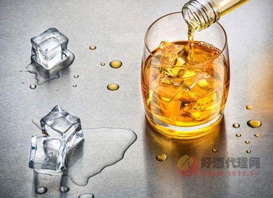皇家禮炮威士忌兌什么飲料好喝