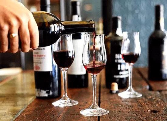 """葡萄酒應該怎么喝,什么是""""飲酒者食物健康金字塔"""""""