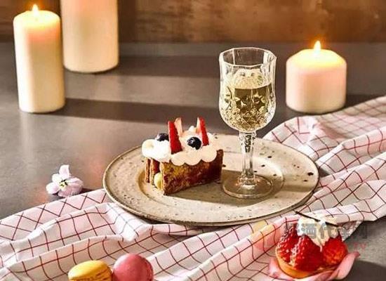 什么是甜白葡萄酒,它所具有的特點有哪些