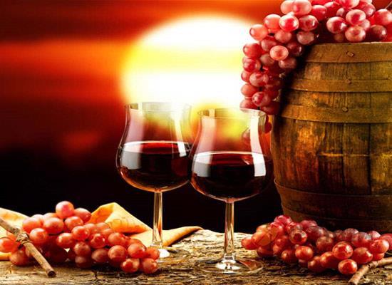 适合圣诞节饮用的酒水有哪些,这三款红酒让女性乐不思蜀