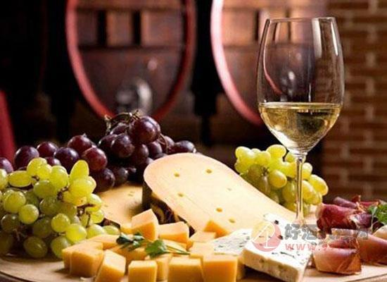高甜度的甜白葡萄酒配什么好,這三類美食簡直是絕配