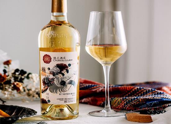 """半甜白葡萄酒哪個好喝,樓蘭沁羽為什么有""""液體黃金""""之稱"""