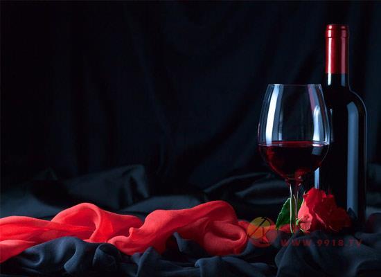 葡萄酒軟木塞上的文字是什么,蘊含著什么意思