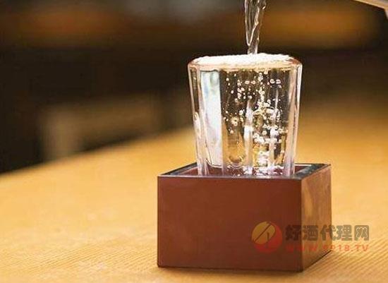酒業專家,共同預測2020年行業新趨勢!