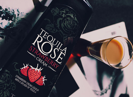 """特奇拉玫瑰草莓味利口酒怎么樣,""""美麗而危險"""""""