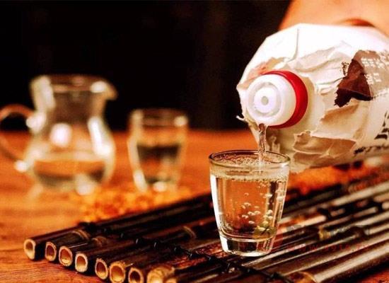 为什么优质酱香酒要在酒库存放三年