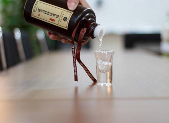 醬香型白酒的好處有哪些,喝茅臺醬酒對身體的好處