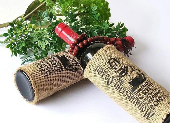 包装设计独特的摩尔多瓦麻袋片红酒多少钱