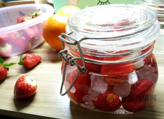 草莓酒怎么做好喝,草莓酒的做法及功效