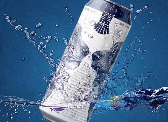 酷暑难耐,矛盾独立,来瓶雪花黑狮白啤尽情释放吧!