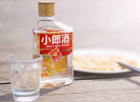 兼香型白酒好喝嗎,兼香型和濃香型哪個好