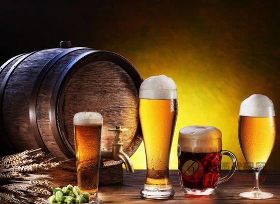 夏季酒桌啤酒应该怎么喝,这些小窍门让你多喝不醉